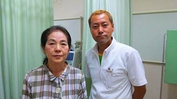 T.Y 様 60歳代 女性 ebisu01 腰の痛みで治療して頂いています。初めは座っていて立ち上がる際、ガリガリ音がして腰痛が酷く、洗顔や靴下を履く際も辛かったのですが、10日程 通院しましたら、痛みがとれました。