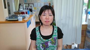 S . T 様 女性 42才 ebisu05 長いことお世話になっています。以前は両足の坐骨神経痛で鍼治療をしてもらい、今ではすっかり良くなりました。今は頸部痛と肩痛からくる頭痛とめまいで通院中です。骨盤のズレから治して頂いて、治療後はスッキリします。